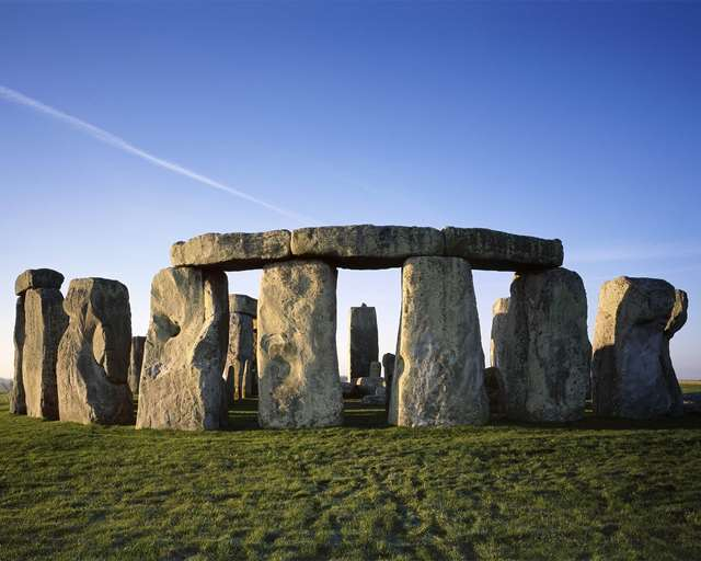 stonehenge-sunrise